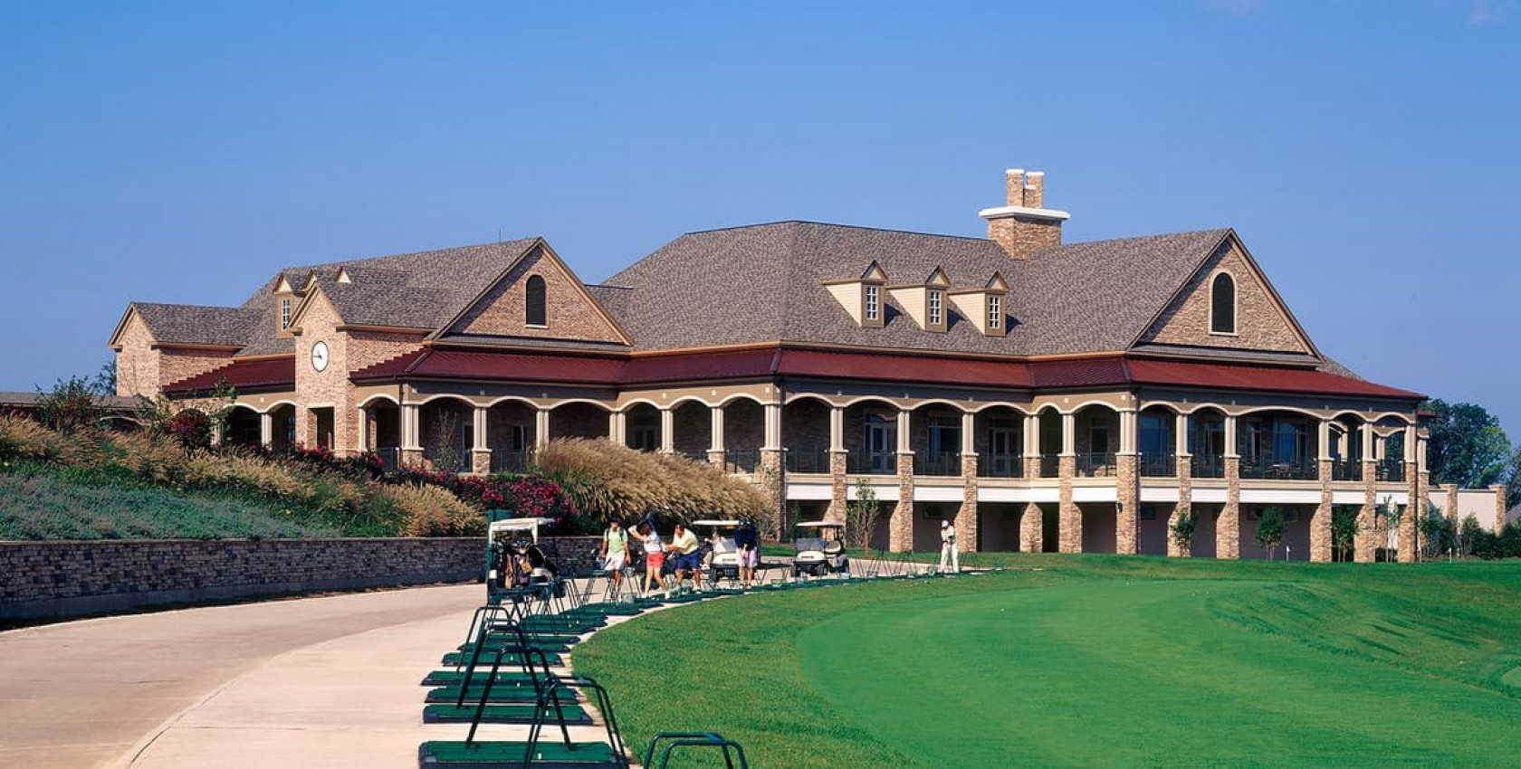 The Golf Club at Lansdowne, Institutional